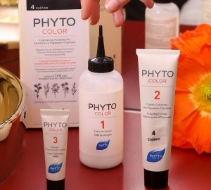 What is inside Phytocolor kit box